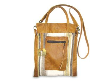 Hegyiorsi Galop bag from buffalo hide leather and wool. Extra soft, extra light, medium sized shoulder bag.