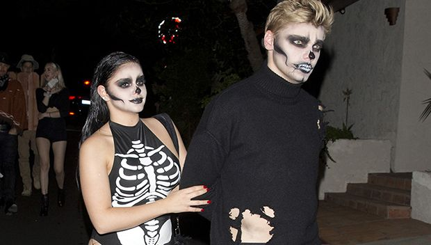 Ariel Winter Shows Off Bare Booty In Skeleton Costume With BF Levi Meaden https://tmbw.news/ariel-winter-shows-off-bare-booty-in-skeleton-costume-with-bf-levi-meaden  Ariel Winter showed off her curvy figure in a sexy skeleton costume with fishnet tights while attending a Halloween party on Oct. 27 with boyfriend Levi Meaden. Check out her eyecatching look here!Look at her! Ariel Winter , 19, flaunted her naked booty in a super hot skeleton costume on Oct. 27 as she attended the Just Jared…