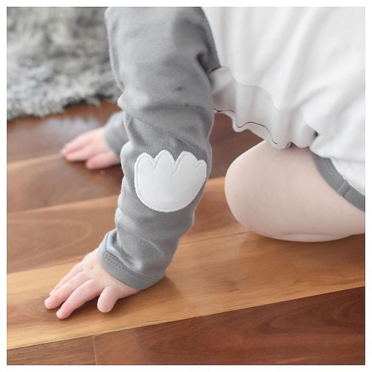 The beautiful cloud patch elbows are one of my fave features of the new season @le.edit collection  . FREE postage on all orders over $30 until midnight tonight! . Afterpay and ZipPay available www.minimacko.com.au