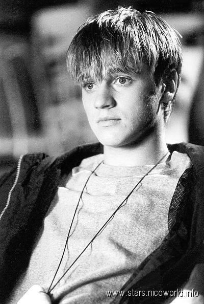 Devon Sawa, I always had a celeb crush on him since casper, now and then, wild america, final destination & idle hands :P