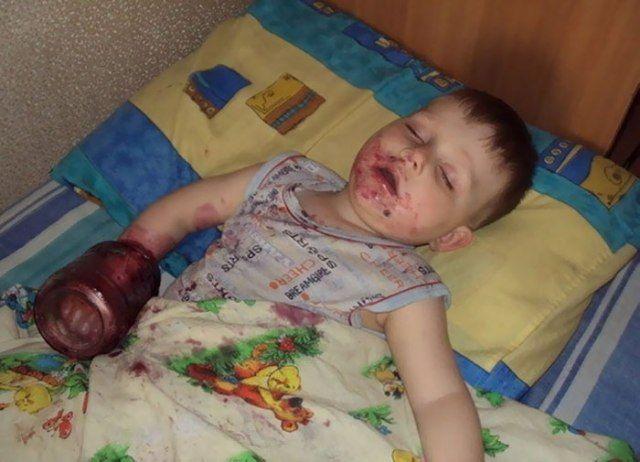 10 Foto Lucu Anak Yang Ditinggalkan Sendiri Di Rumah