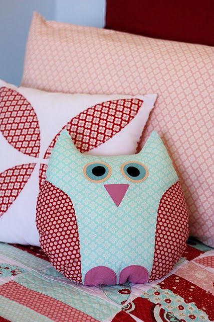 I have a weird thing for owls of late. I love this little owl pillow.
