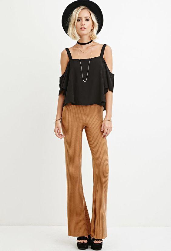 Wow, deze geribde broek heb je nu al voor maar €9,99 ! Wat een koopje, super leuk en kun je heel makkelijk combineren. Daarnaast is hij ook lekker dun en zit 'ie super comfortabel, perfect voor de lente en zomer dus. #uitverkoop #sale #uiteenlopende #broek #mode #dames #fashion #women #pants #trousers #stretch
