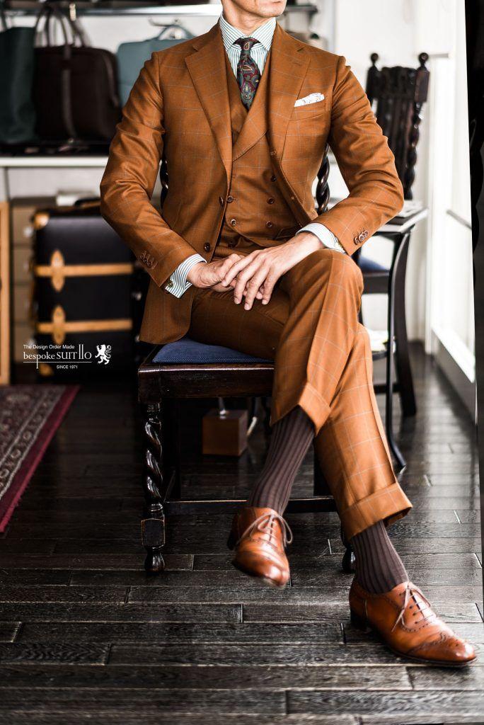 """ポーター&ハーディングが誇るカントリーツイードの世界を、オン・タイムにも気軽に愉しんでいただく為に開発された、メリノウール使いのスーツ地がこの""""グロリアス・トウェルフス""""です。シティーでのビジネスシーンに彩りを求める、ファッションコンシャスの高いビジネスマンから人気の高いこの服地は、その高い汎用性ゆえ幅広い着こなしが可能です。ポーターアンドハーディング,イタリア,ハンドメイド,ネクタイ,クラバット,フランチェスコマリーノ,Francesco Marino,グリーン,ストライプシャツ,カンクリーニ,canclini,PORTER & HARDING,GLORIOUS TWELFTH,オーダースーツ,オーダージャケット,誂え,紳士,オーダーメイド,福岡,黒崎,北九州,八幡西区,ビスポークスーツ110,bespokeSUIT110,bespokeSUITIIO,"""