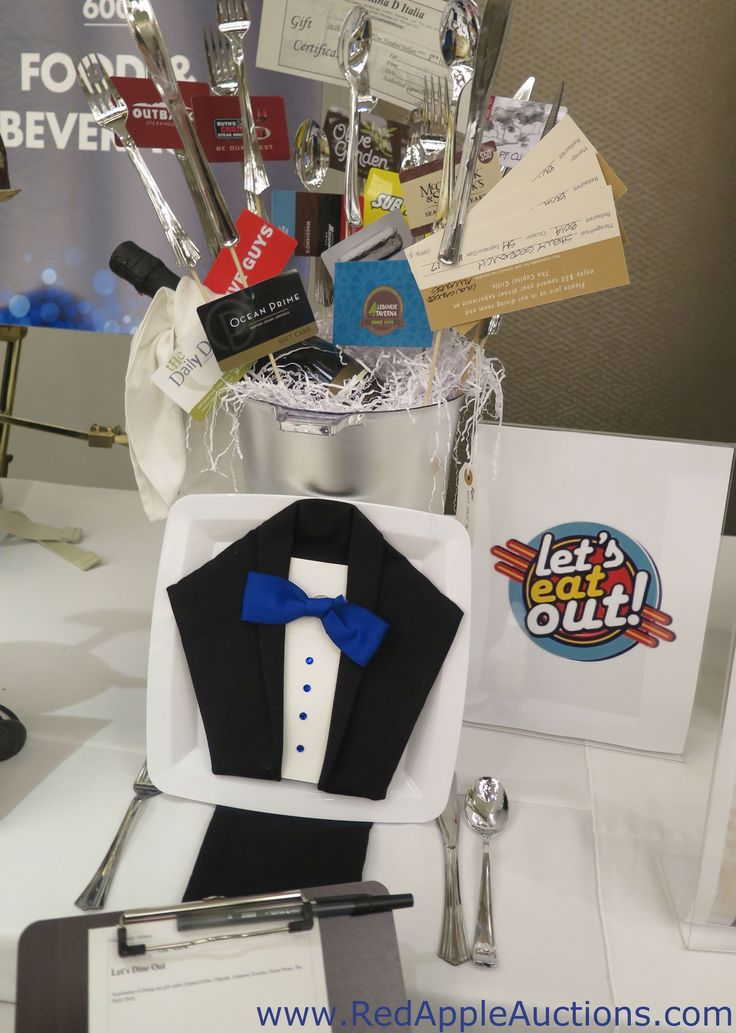 Cute display for a bunch of restaurant gift cards.