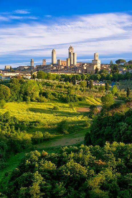 San Gimignano, A Tuscan Jewel http://blog.atlastravelweb.com/europe-travel/italy-travel/san-gimignano-a-tuscan-jewel/