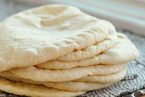 Вы перестанете покупать хлеб в магазине! Быстро и легко! Ингредиенты: мука — 3 стакана оливковое масло (опционально) — 2 ч. л. соль — 2 ч. л. сухие дрожжи — 2 ч. л. теплая вода — 1 стакан Приготовление: Растворяем дрожжи в теплой воде и оставляем на 5 минут, ждем пока они оживут. Добавляем муку, соль …