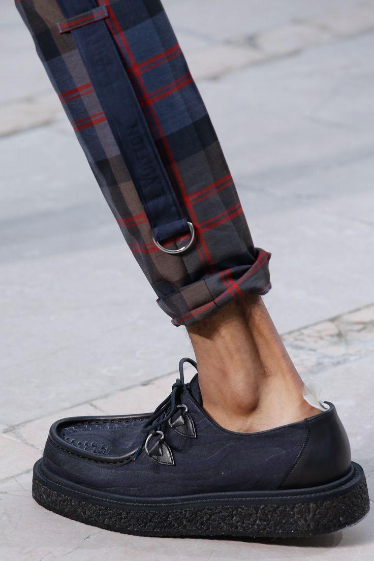 Louis Vuitton Spring 2017 Menswear Fashion Show Details