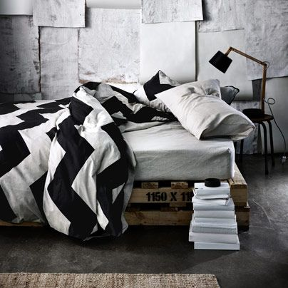 Chevron Grande Black Queen bed quilt cover