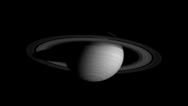 Amazing Video of Planets, Stitched Together from NASA Photos