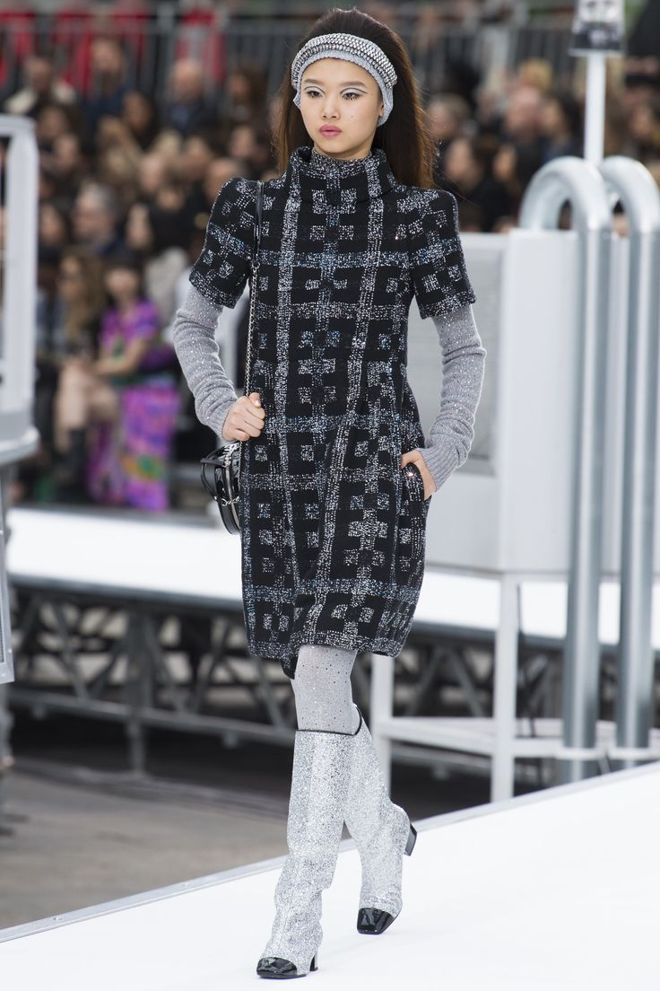 #Chanel  #fashion  #Koshchenets  Chanel Fall 2017 Ready-to-Wear Collection Photos - Vogue