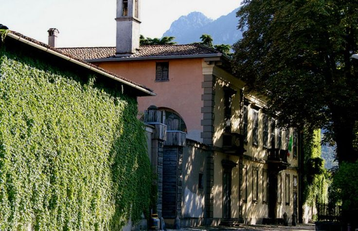 Villa Manzoni in Lecco was the residence where the writer Alessandro Manzoni spent his childhood and adolescence. In its rooms has been set up Manzonian Museum | Villa Manzoni, in Lecco, è la residenza dove lo scrittore Alessandro Manzoni trascorse la sua infanzia e adolescenza. Nelle sue stanze è allestito il museo manzoniano | #lake #Como #Lago #Italy #app #Manzoni #Museum #Lecco
