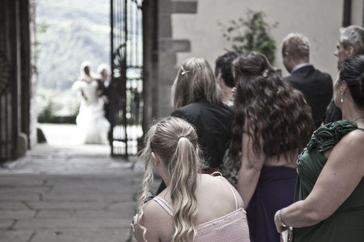 Here comes the bride !  Slottsbryllup i Toscana med Italienske Bryllup.