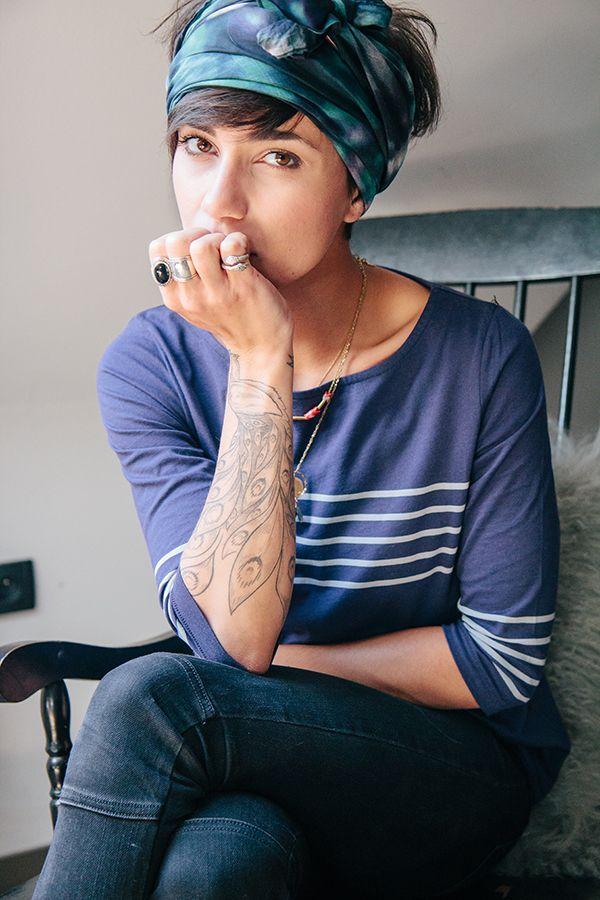 les 25 meilleures id es concernant foulards des cheveux courts sur pinterest coupes de cheveux. Black Bedroom Furniture Sets. Home Design Ideas
