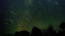 Una lluvia de meteoritos rojos está al caer
