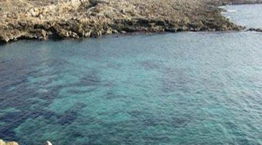 Onewstar: Cade in mare: tre bambini si tuffano in acqua e lo salvano