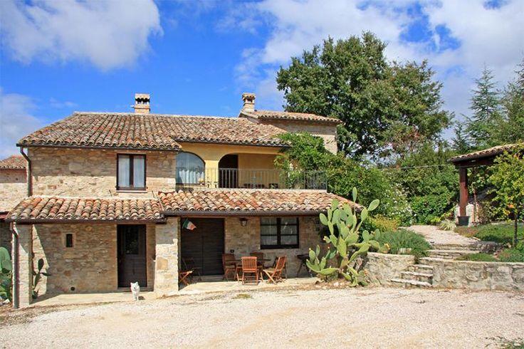 Property for sale in Umbria, Perugia, Todi, Italy - Italianhousesforsale - http://www.italianhousesforsale.com/view/property-italy/umbria/perugia/todi/2310008.html