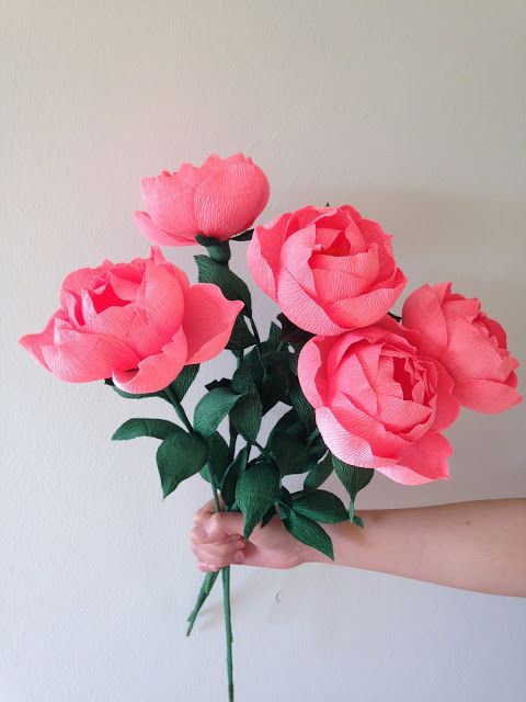 Crepe paper peonies handcrafted by Jennifer Tran, Papetal