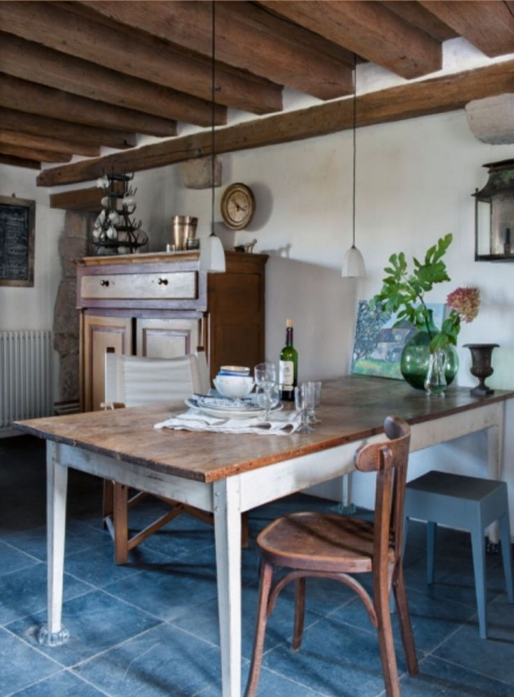 """This country-style decoration is from our feature """"Bijou en Bourgogne"""""""