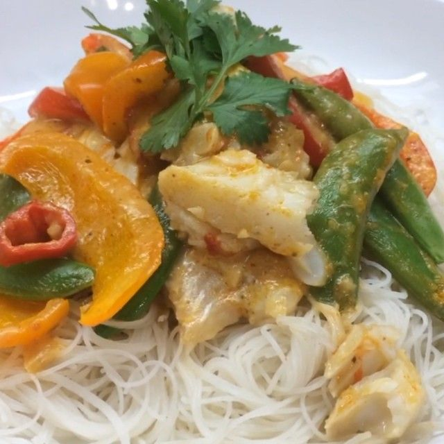 Try this tasty thai fish noodles #Leanin15  #thebodycoach #foodie #fitness #food #fitfam  Double tap if you want me to keep the #Leanin15 videos coming