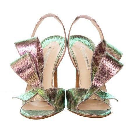 Nicholas Kirkwood, sandali con fiocco metalizzato P/E 2012