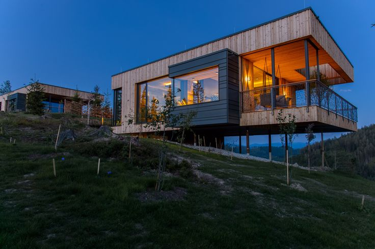 Deluxe Montana Cabins by Viereck Architects