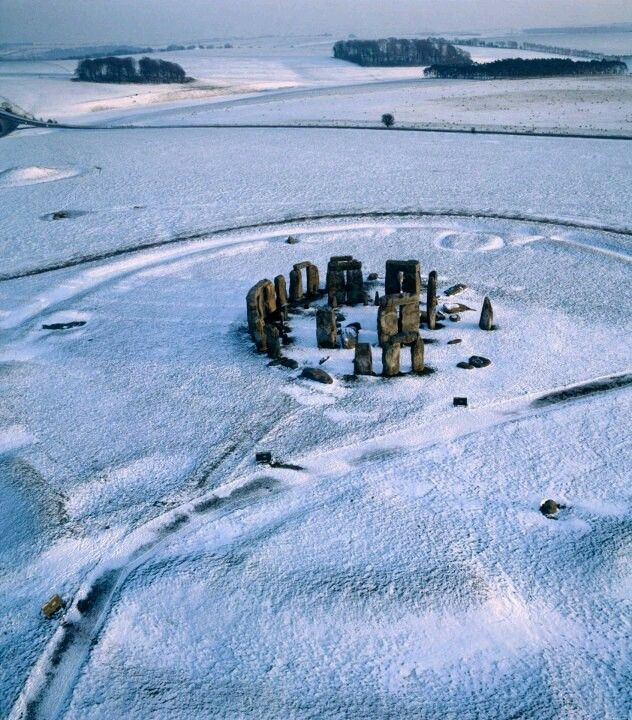 Snowy Stonehenge ~ A great site but very touristy and slightly spoilt by the fence surrounding it ...