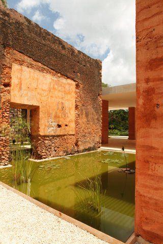 Hacienda Bacoc / Reyes Ríos + Larraín Arquitectos / El casco de la hacienda Bacoc se edificó entre 1880 y 1910 para dedicarse a la producción de la fibra de henequén.