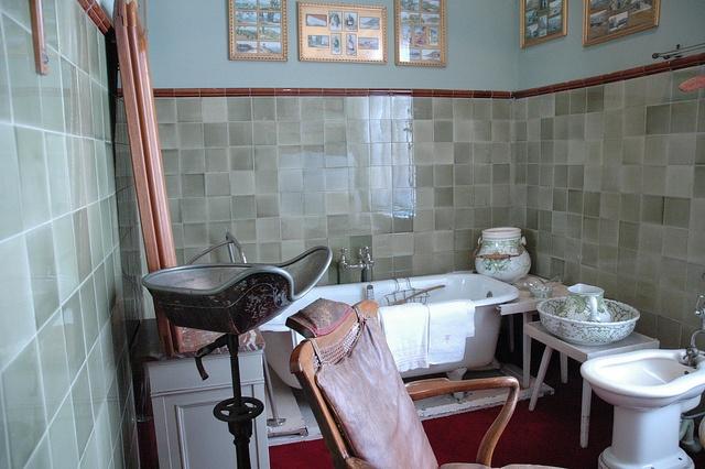 A bathroom in Huis Doorn.