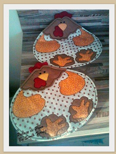 chicken mug rugs or place mats - cute. Jgs americanos