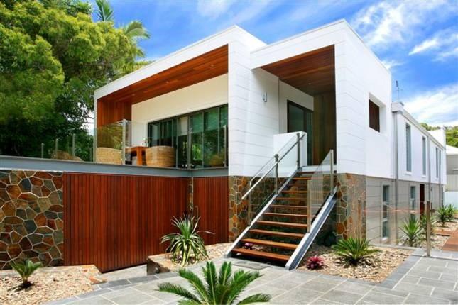Sunshine Beach House - price on application - 6 bed - sleeps 12