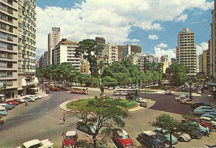 Cartão postal do Largo do Arouche. (sem data) Douglas Nascimento / Via saopauloantiga.com.br 20 fotos lindas da cidade de São Paulo de 1924 a 1980