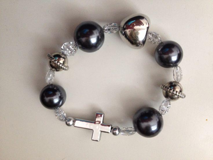 Zwarte parels met transparante en zilveren kralen  www.sieraadmeteenboodschap.nl
