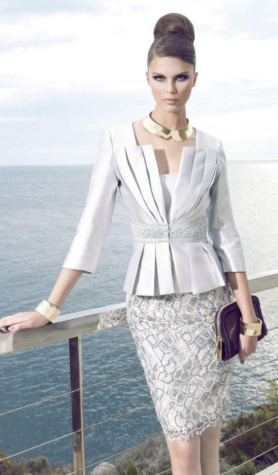 carla ruiz moda para mujer pinterest elegante kleider modell und mode f r frauen. Black Bedroom Furniture Sets. Home Design Ideas