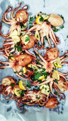Comment cuire des petits poulpes : petits poulpes rôtis à l'ail, persil et…