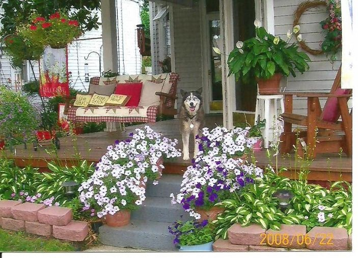 Beautiful  Summer Front Porch.