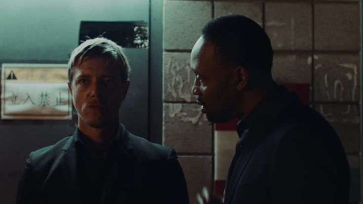 INTERPOL'LÜ PAUL BANKS VE RZA'DAN RESERVOIR DOGS TEMALI VİDEO-Süper ikili Banks