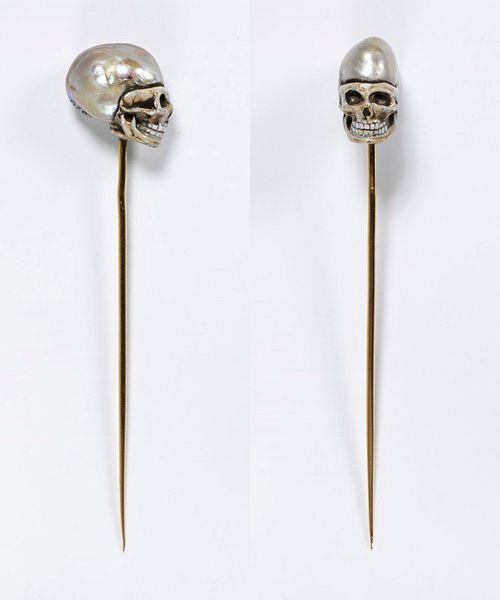 Memento mori stick pin with baroque pearl. Made in Europe in the early 19th century
