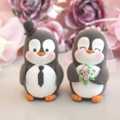 Penguin couple cake topper