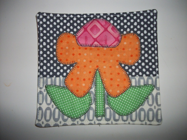mugrug for a swap....cut the flower and leaves freehand....that's a biggie for me!: Flower