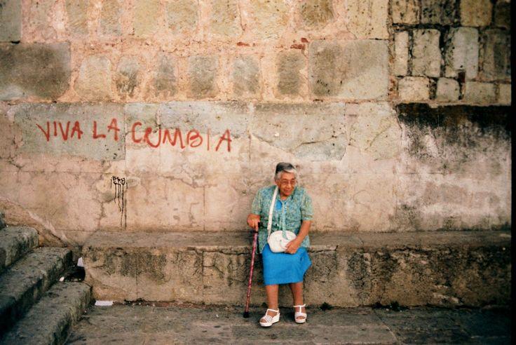 Viva la Cumbia! - Iglesia de la Soledad, Oaxaca, Mexico.   | Foto por Rebecca Bewick, Febrero 2015. //  instagram.com/rebecca.bewick/