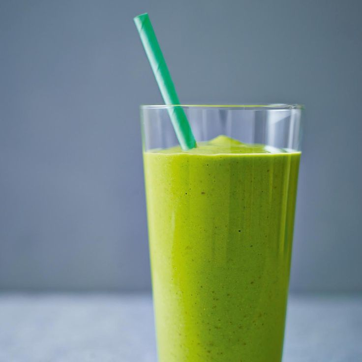 Can a green shake keep you going until lunch? If you have your doubts, give this amazing recipe from world famous chef Ching-He Huang a try. It is packed with f