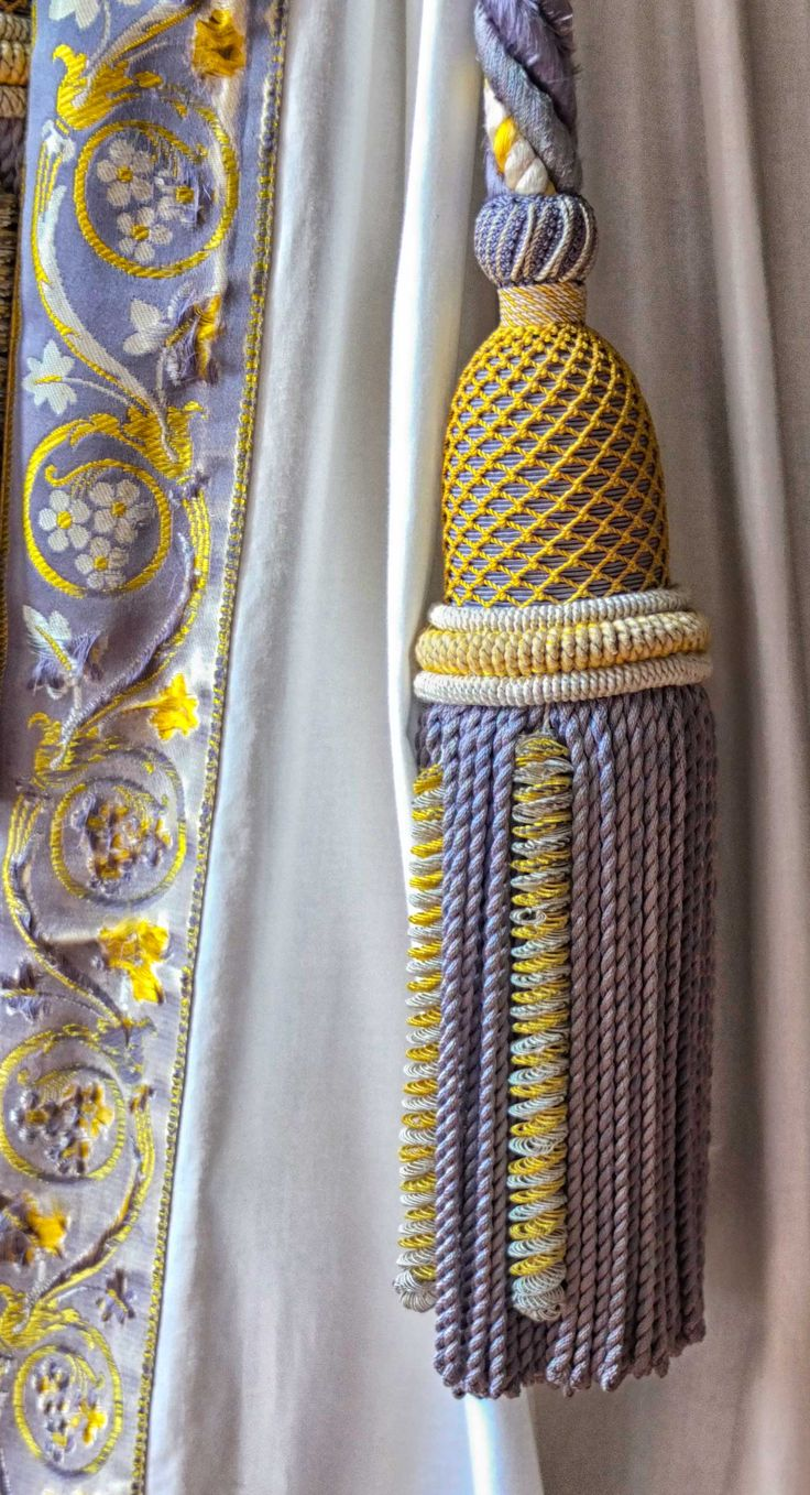 Curtain tassel at Versailles ©2013 blossomgraphicdesign.com