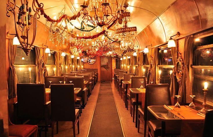 ΤΡΕΝΟ στο ΡΟΥΦ Wagon Restaurant_foto by Appanimus