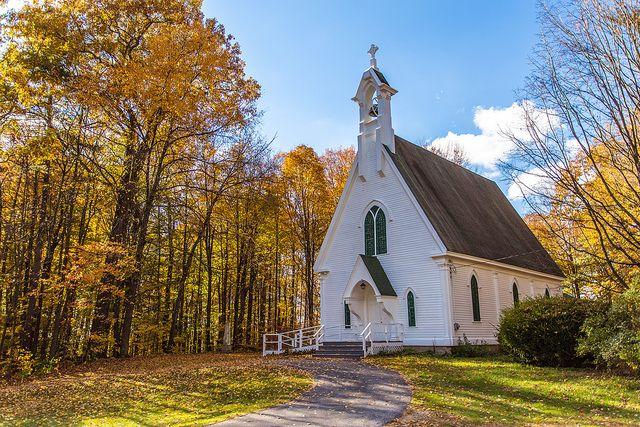 Pretty white church near Brandon, Vermont | Flickr - Photo Sharing!