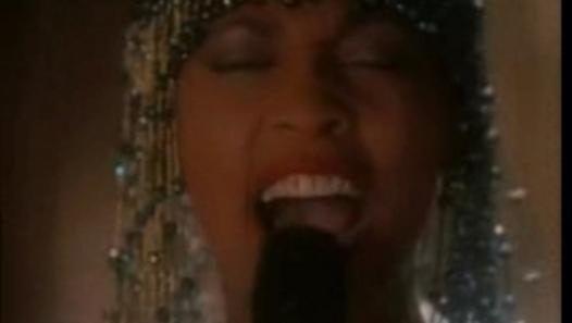 Regarder la vidéo «Whitney Houston -  I have nothing» envoyée par nice_ sur Dailymotion.