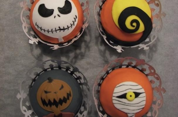 Nightmare Before Christmas cupcakes (fondant)