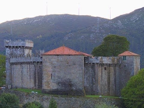 Places to see in ( Galicia - Spain ) Castillo de Vimianzo #instatraveling #travelingourplanet #travelingtheworld #lovetraveling #traveling #travel#worldtravel