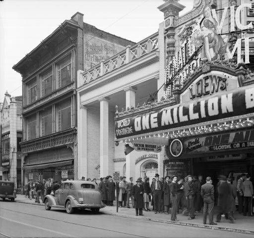Premiere for One Million B.C. staring Louisville actor Victor Mature at Loews theater, 625 S. 4th St. Louisville, Kentucky,     April 4, 1940. :: Royal Photo Company Collection