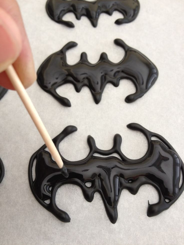 Dough and Batter: super hero cupcake toppers for charlie's 3rd birthday